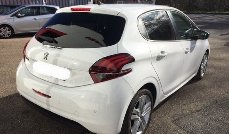 Peugeot 208 1.5 HDI 100 STYLE BVM 6 complet